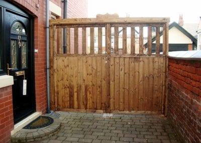 new-driveway-timber-gates