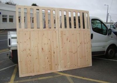 stock-timber-gates2