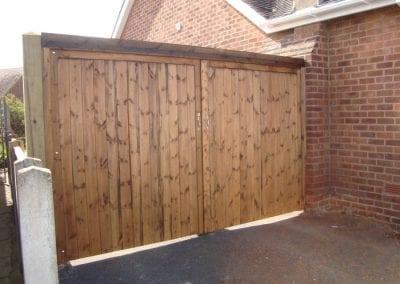 timber-driveway-gates (2)