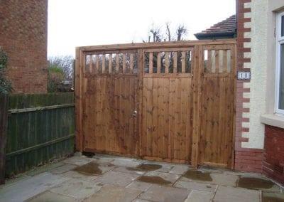wooden-side-gates