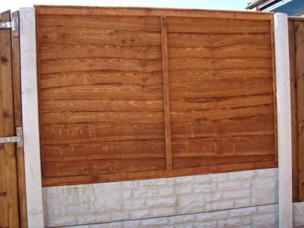 Waney Overlap Fence Panel